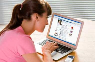 Redes Sociales: un argentino pasa más de 3 horas al día